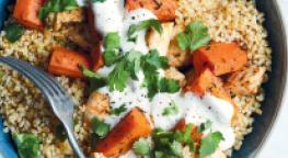 Salade de poulet cajun sauté et carottes fondantes